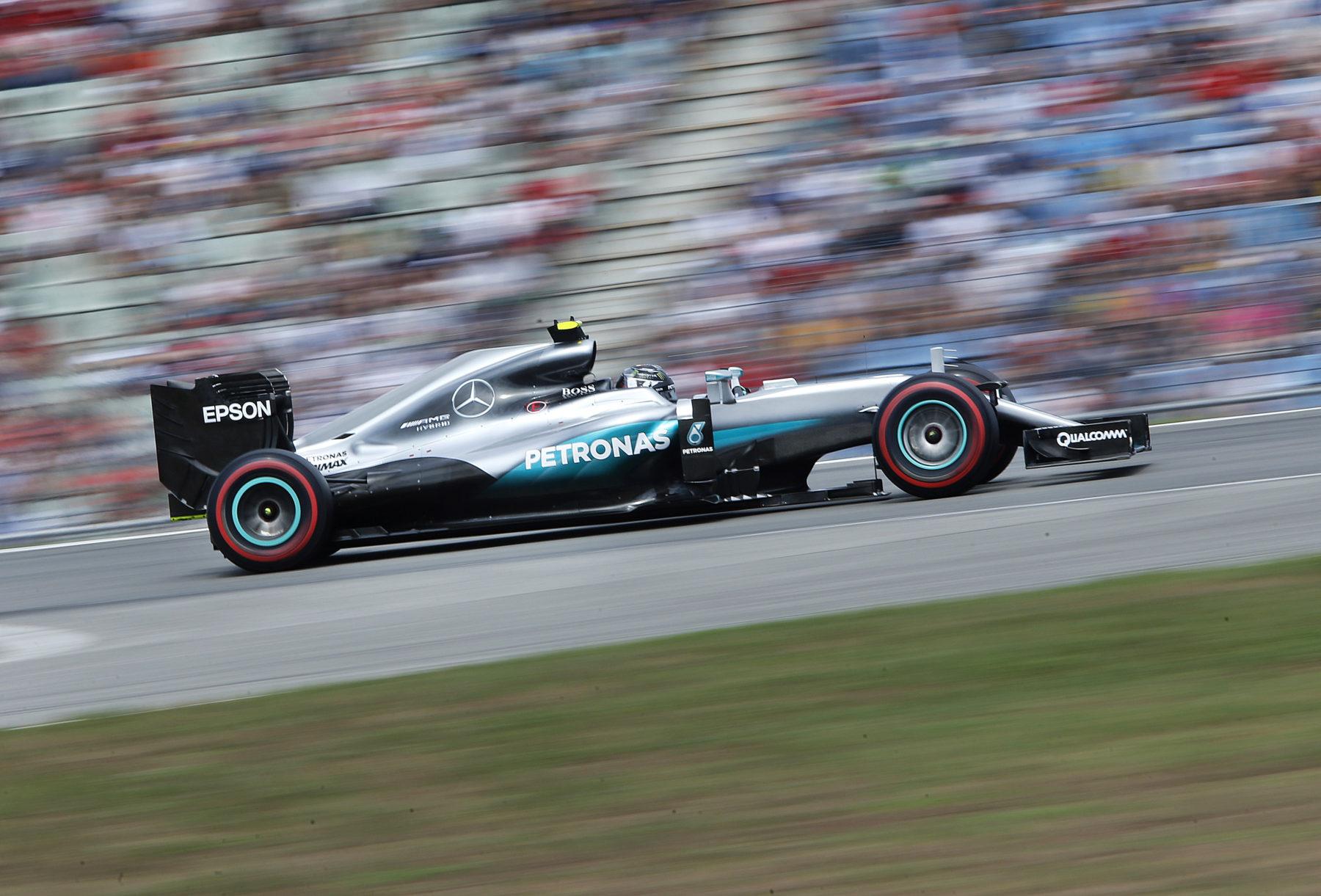 Rosberg prehral ďalšiu bitku, nie však vojnu