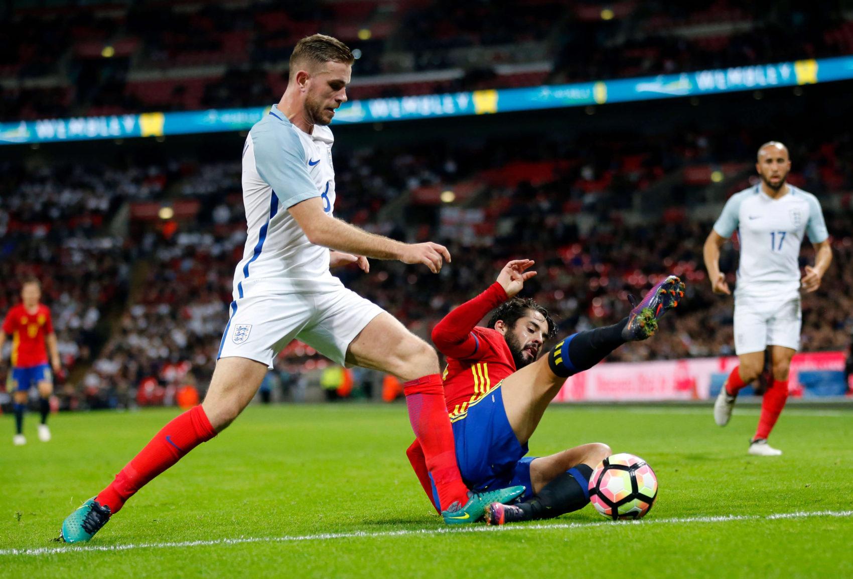 Dva neskoré góly Španielov odopreli Angličanom víťazstvo