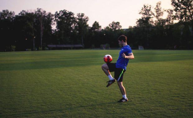 Trampoty obecného futbalistu