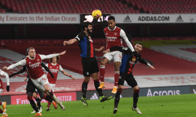 Arsenal Aubameyang hlavičkový súboj
