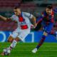 Liga majstrov, Piqué sa snaží zastaviť Mbappého