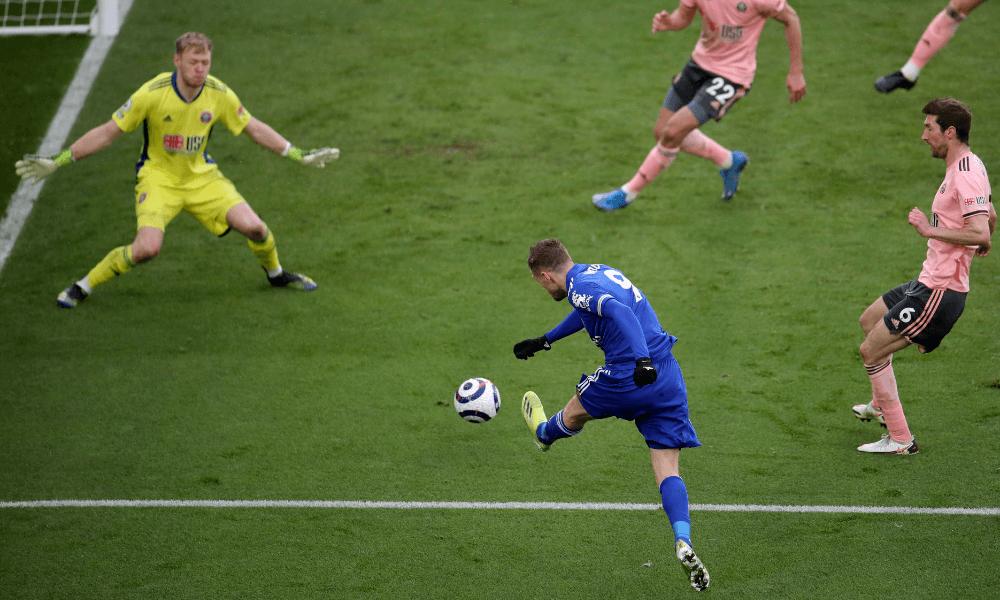 Vardy strieľa v zápase Premier League