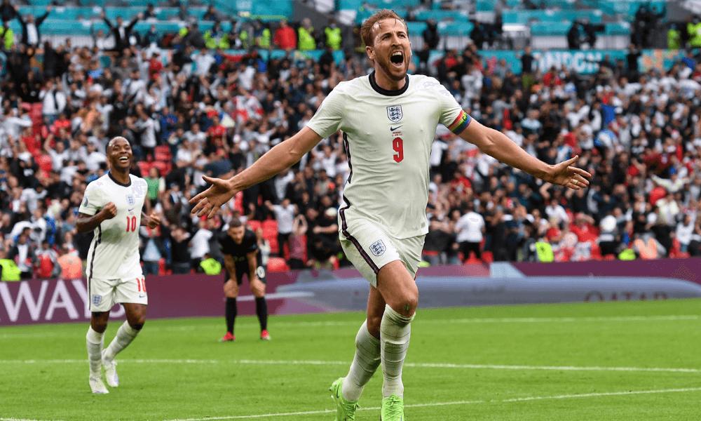 Kane a Sterling v zápase EURO 2020